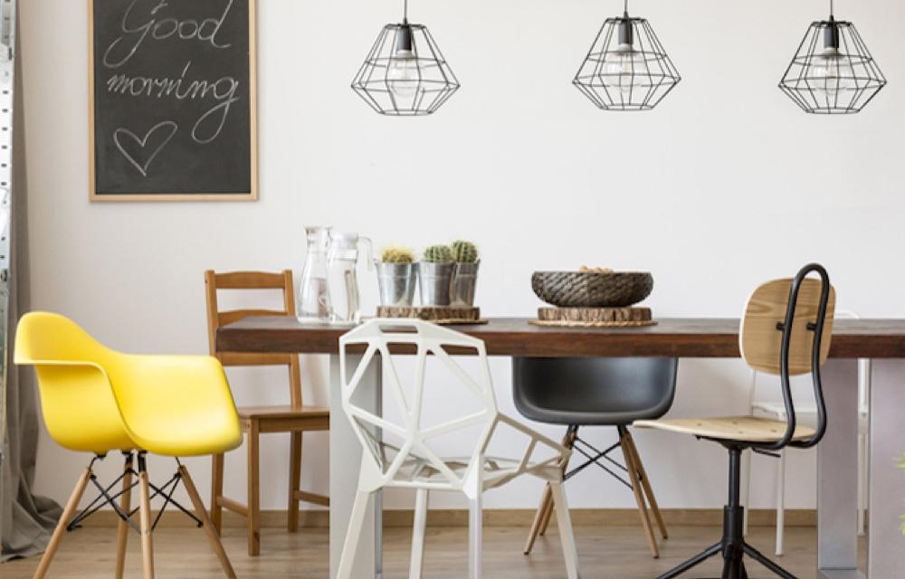 Arredare combinando mobili in stile antico e moderno for Arredare con mobili antichi e moderni